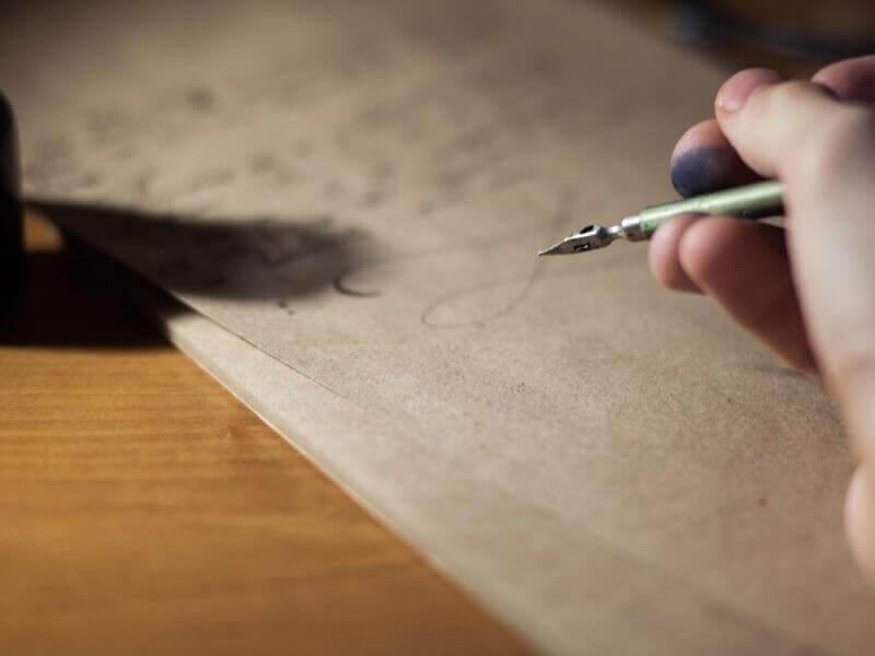 文字が書けない高齢者 vs 手書き書類