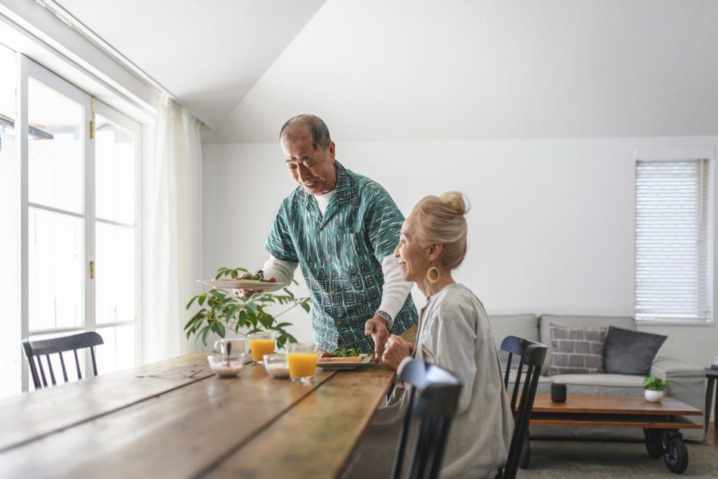 家事は女性の仕事?男性の高齢者が家事を全然してない問題について