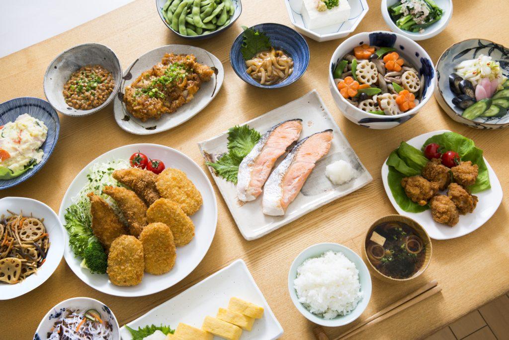 長生きの秘訣は「食」だった!?バランスの良い食事をとれてますか?
