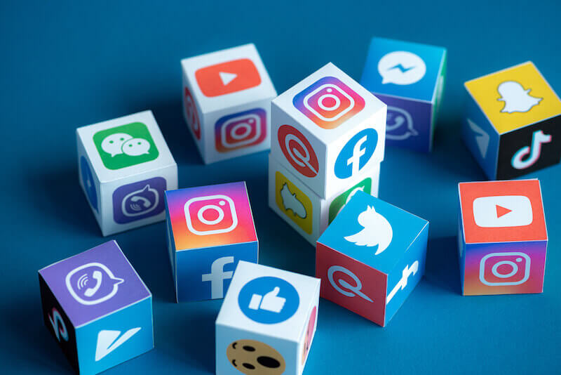 SNS広告のおすすめはこの4選(Instagram、Facebook、LINE、Twitter)特徴や費用まとめ